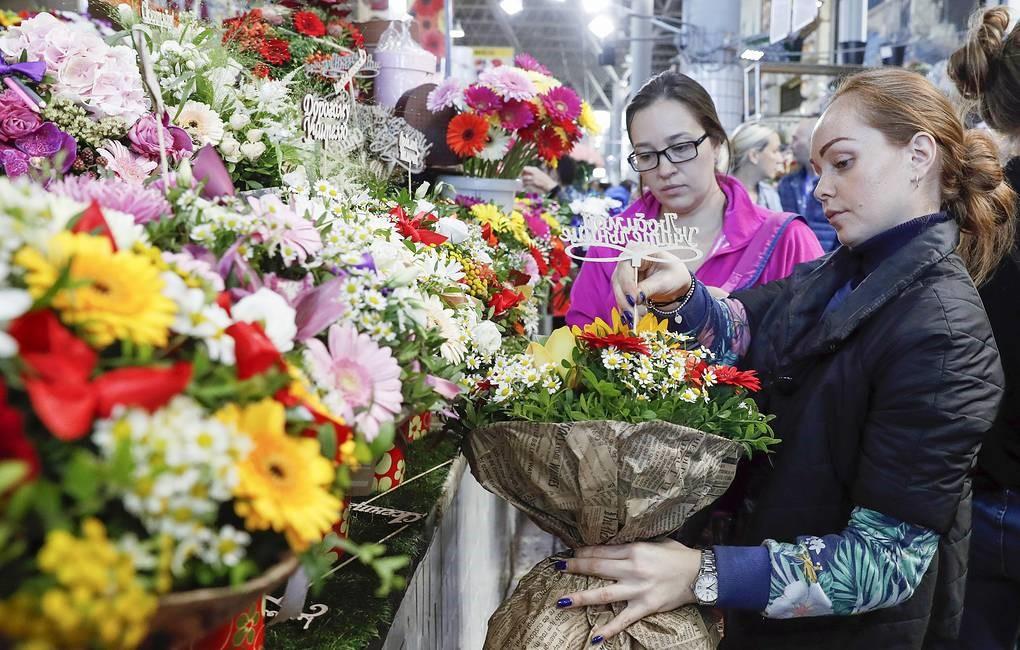 Спрос на цветы к 1 сентября из-за пандемии упал на треть